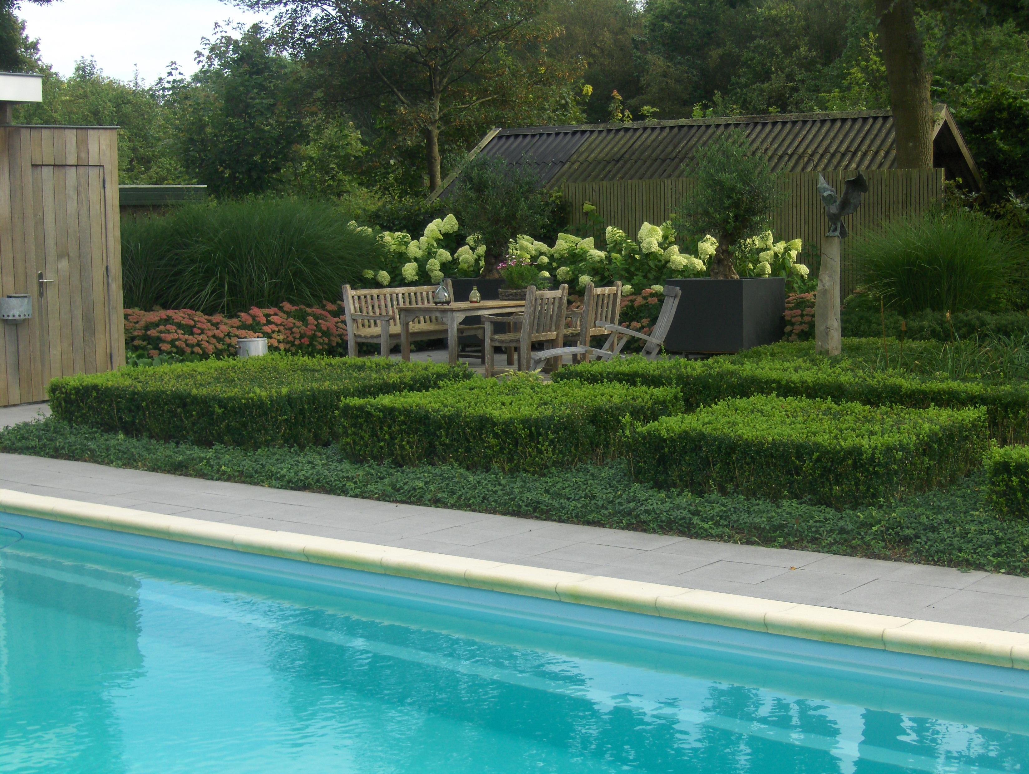Stijlvolle tuin met vijver   Michel van Kammen